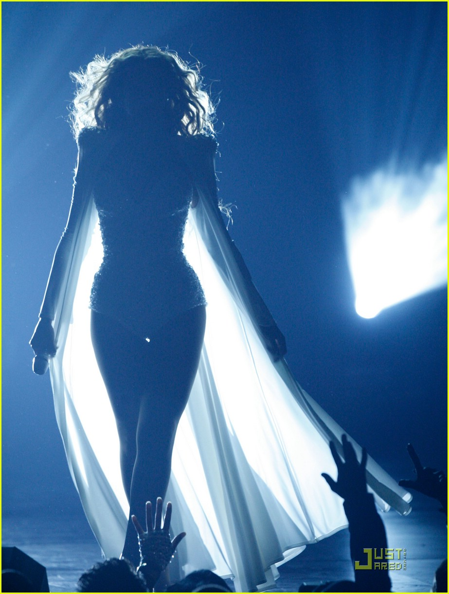 beyonce wedding dress 04