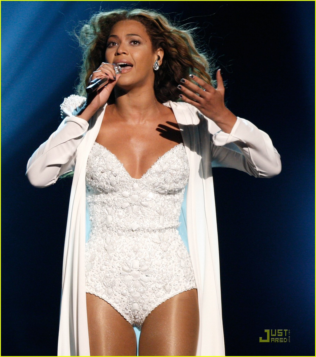 beyonce wedding dress 14