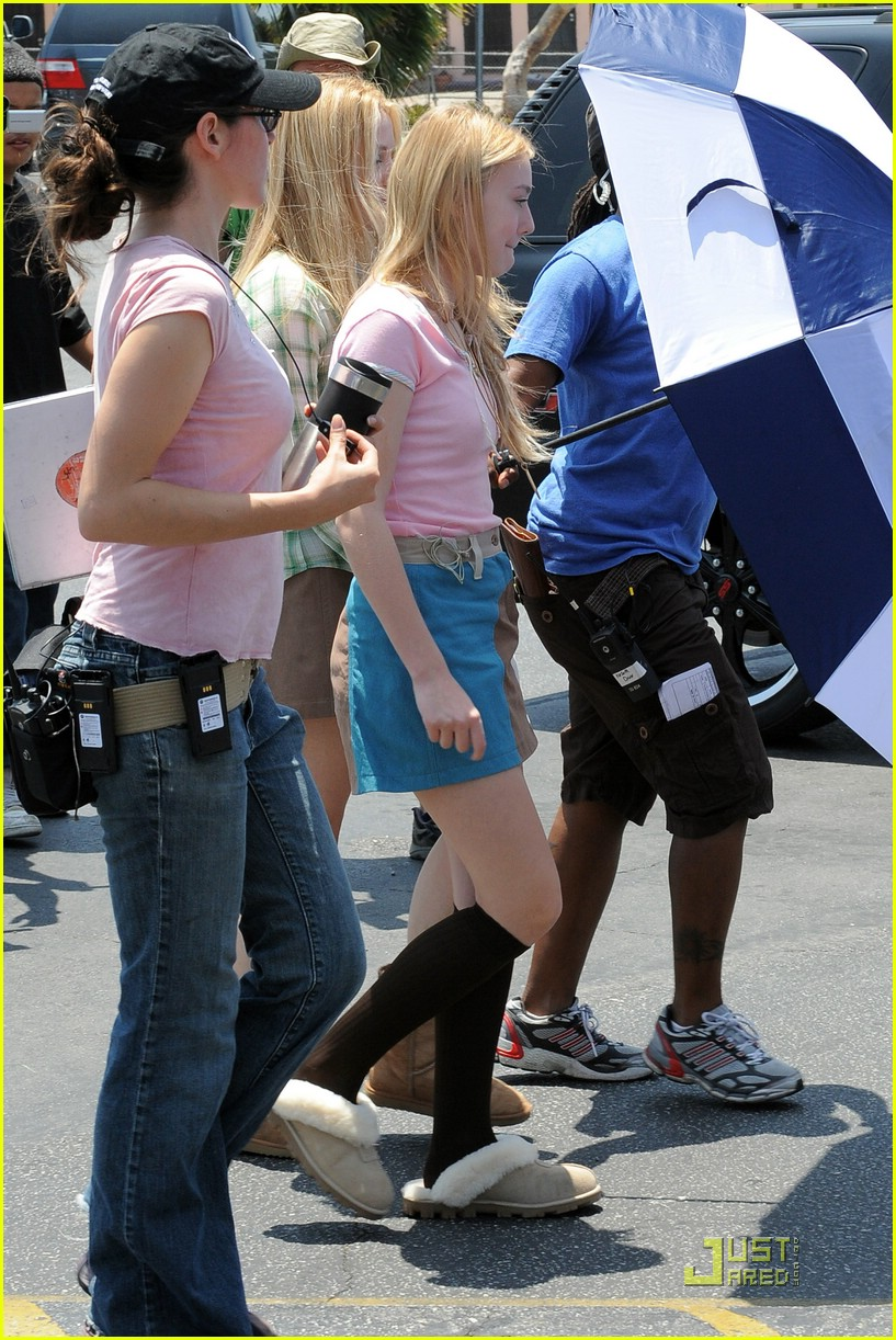 dakota fanning denim jumpsuit 062007081