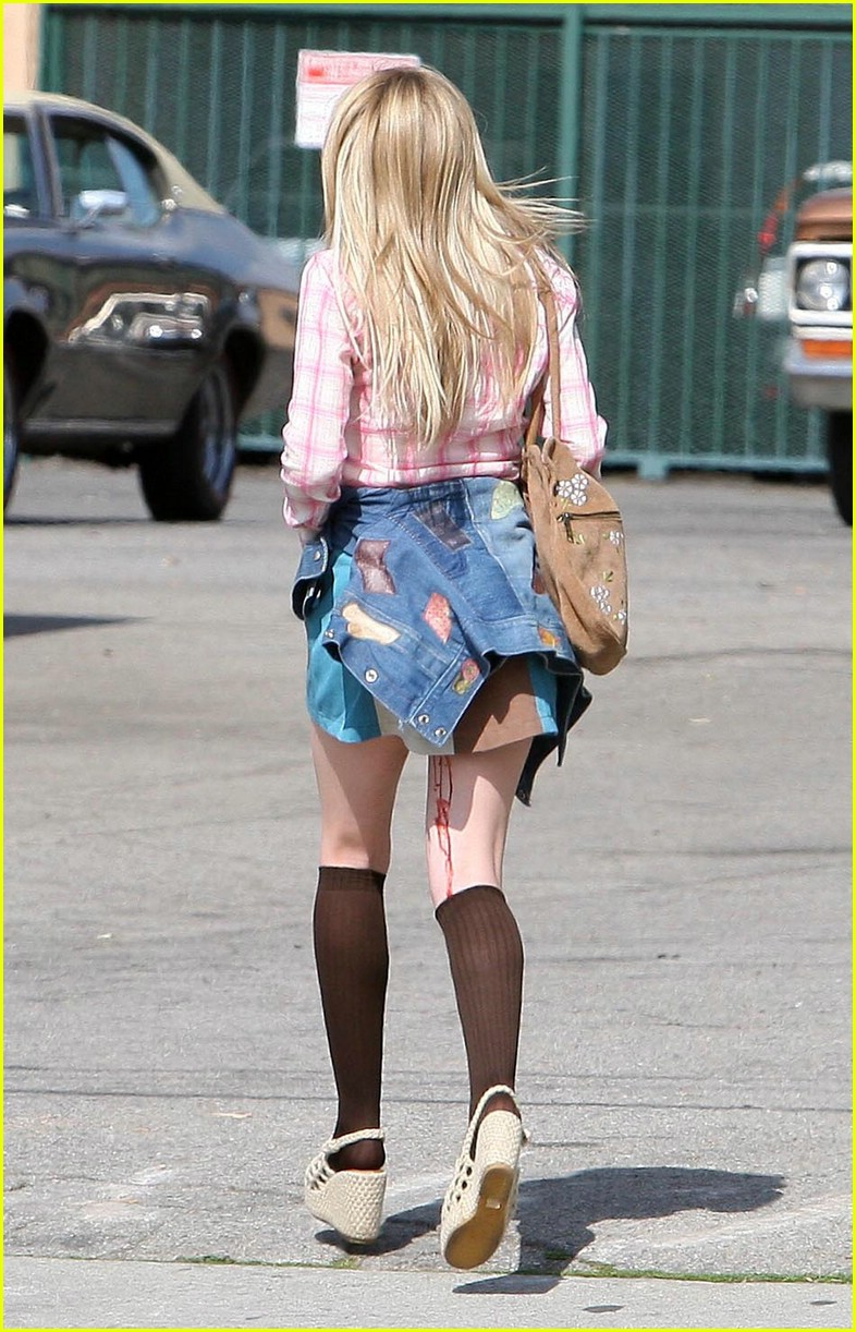 dakota fanning pink plaid princess 092002431