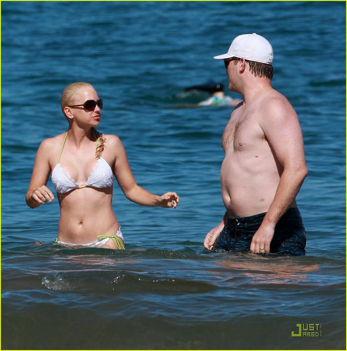 anna faris bikini 31