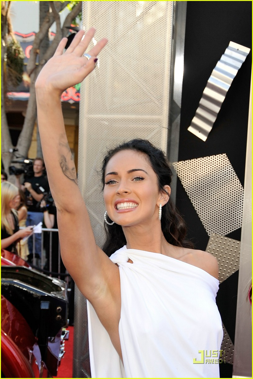 megan fox toga terrific 062005311