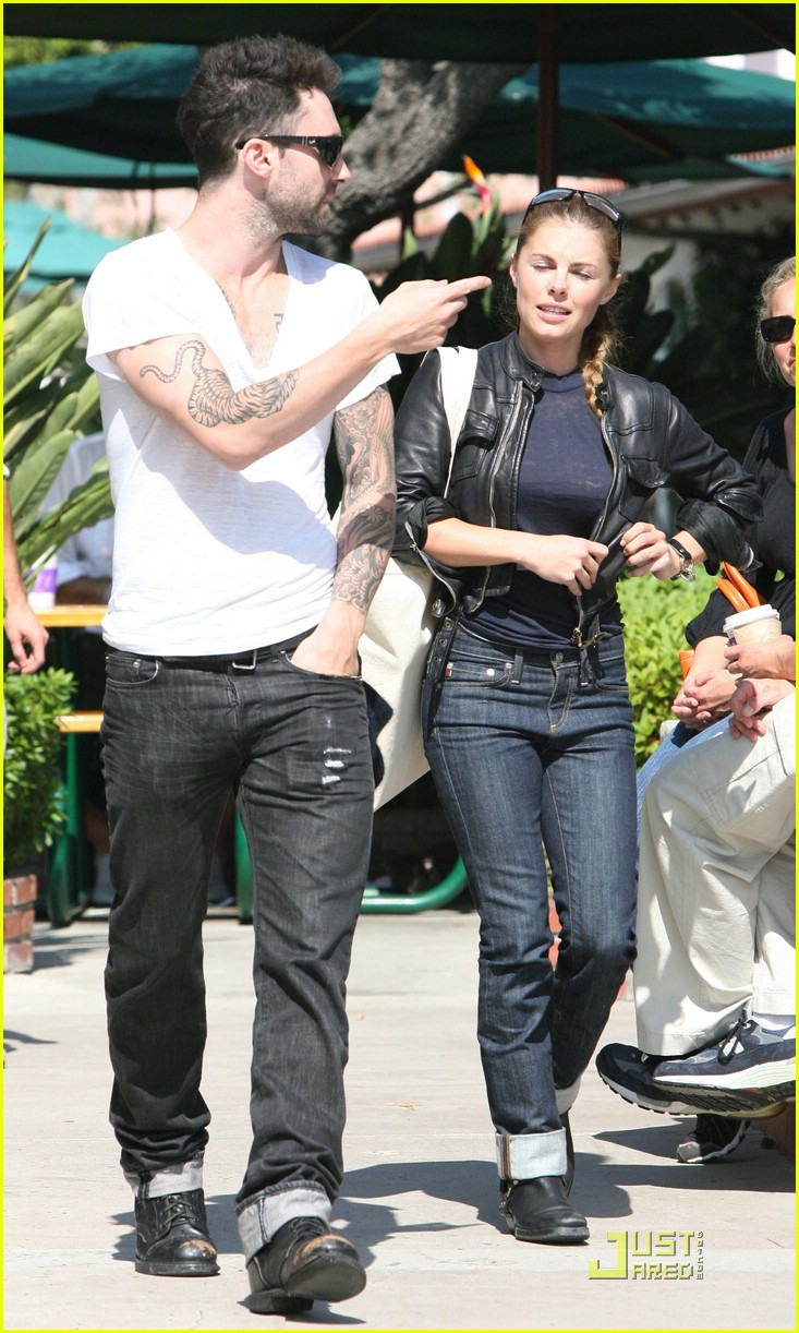adam levine plain white tee 10