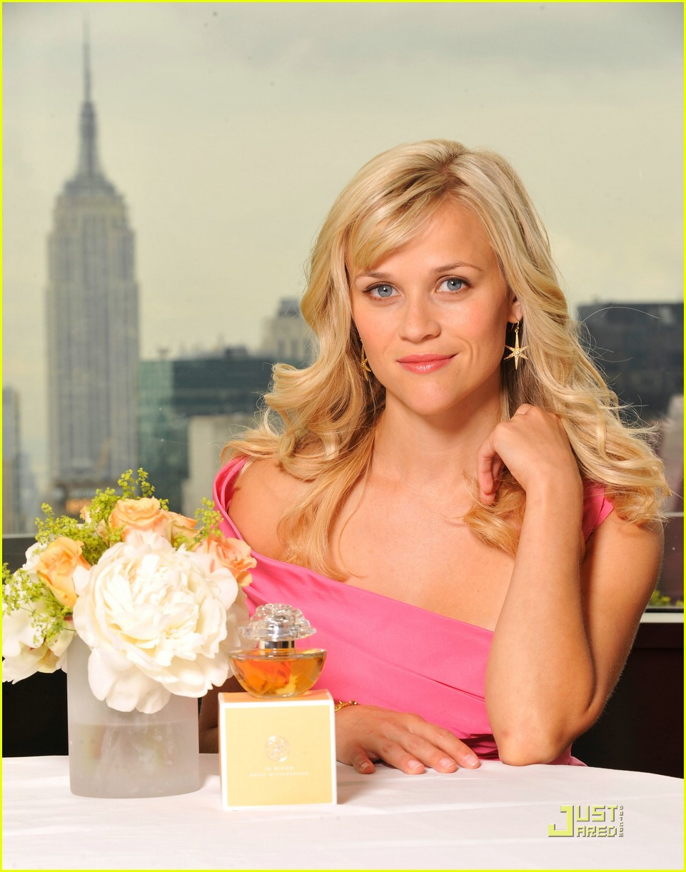 reese witherspoon in bloom fragrance 03