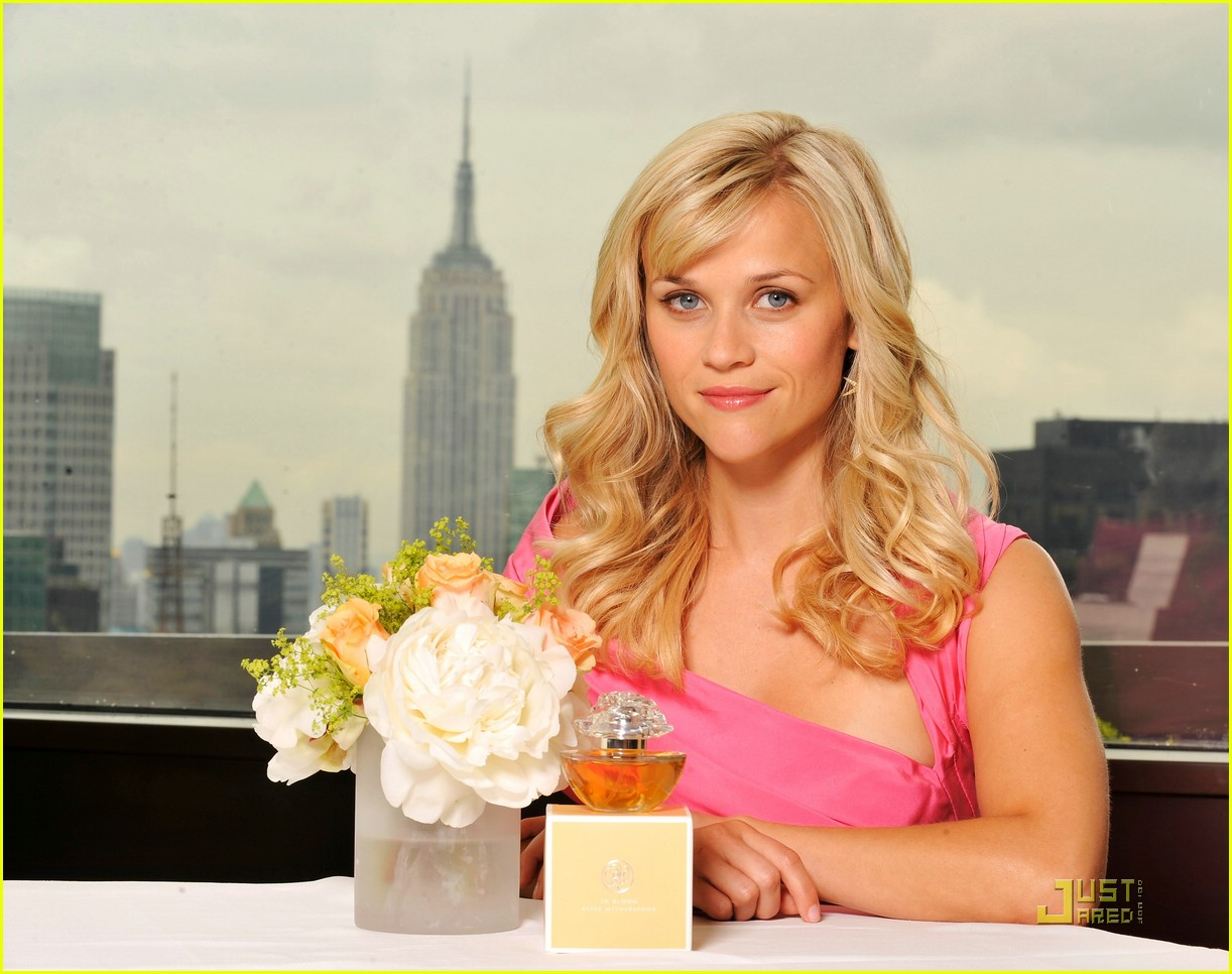 reese witherspoon in bloom fragrance 07