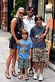 kelly ripa mark consuelos soho 01
