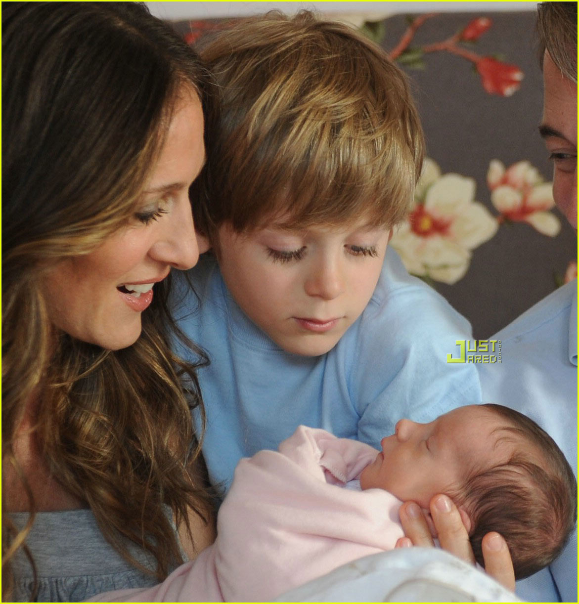 sarah jessica parker twins first picture 01