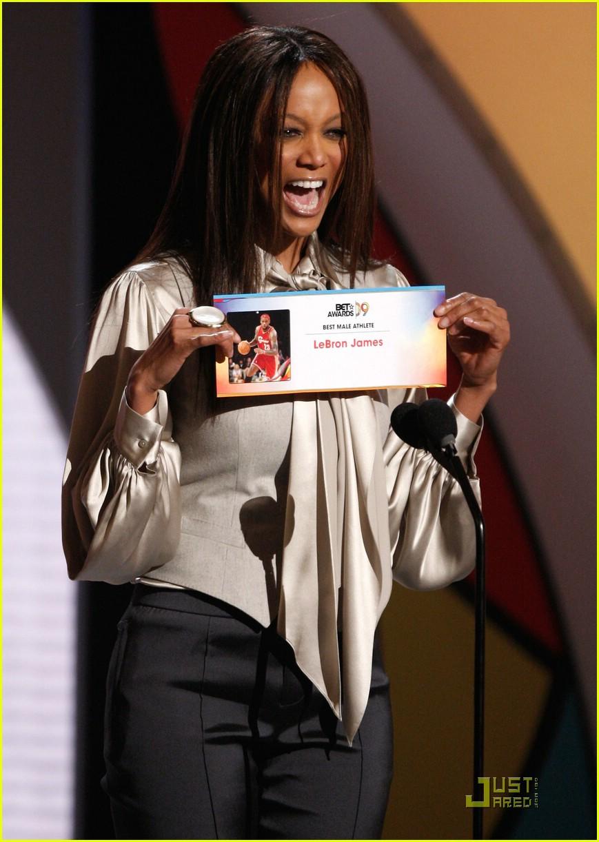 tyra banks bet awards 2009 06