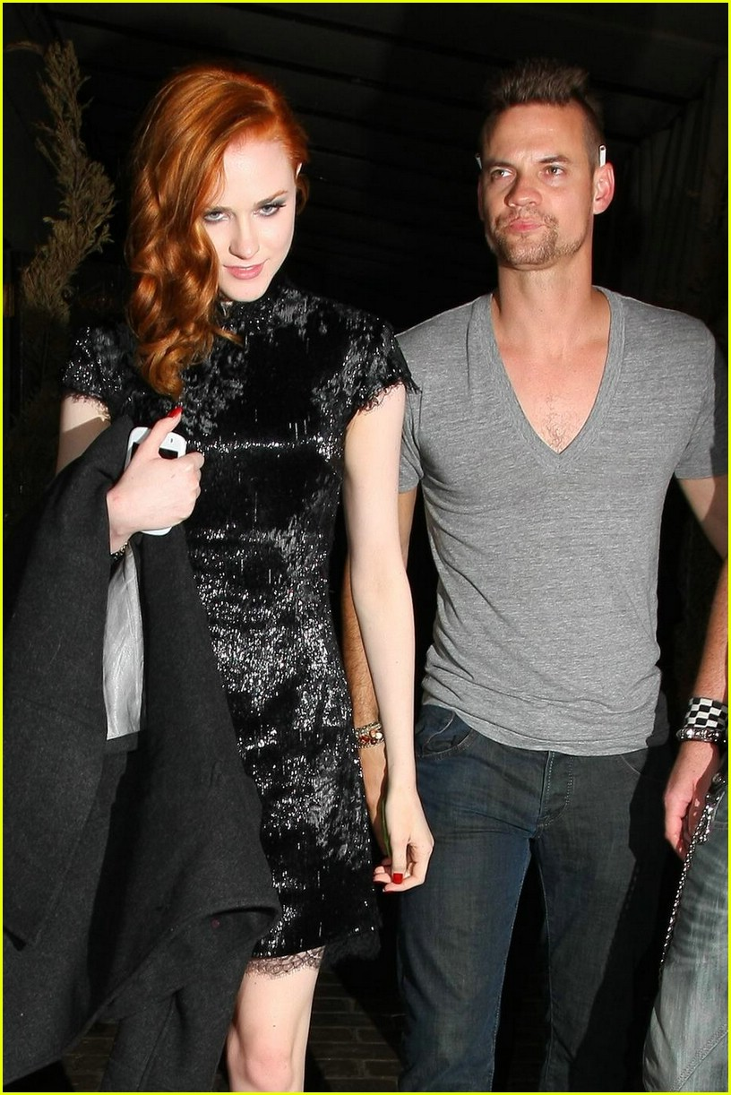 evan rachel wood shane west hold hands 07