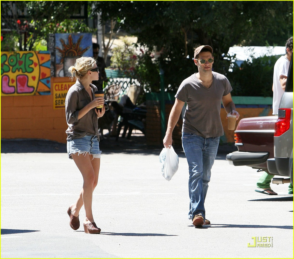 ashley olsen justin bartha coffee couple 11