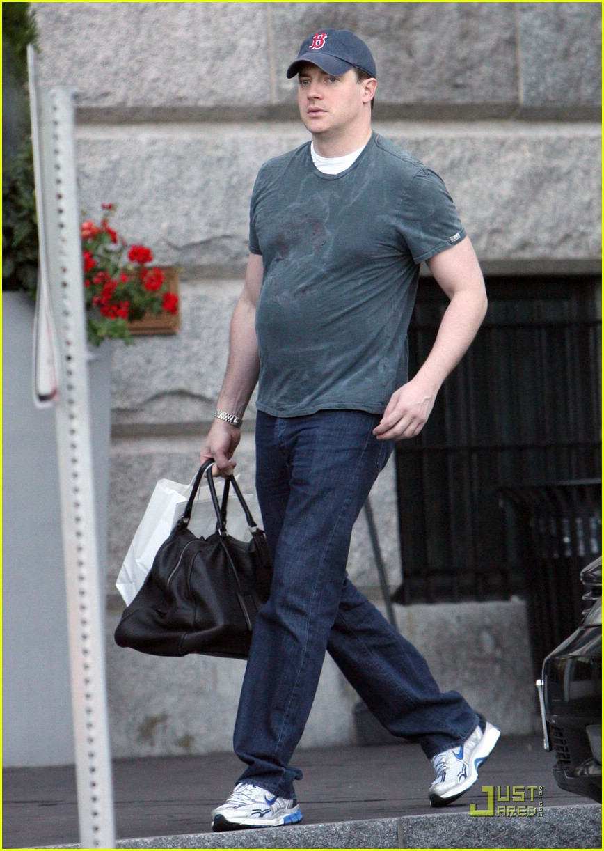 brendan fraser belly 062049311