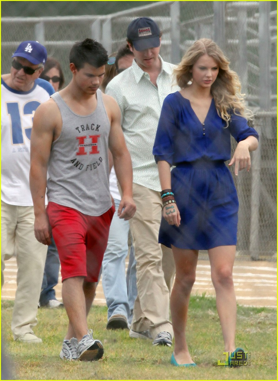 taylor lautner taylor swift valentines day 21