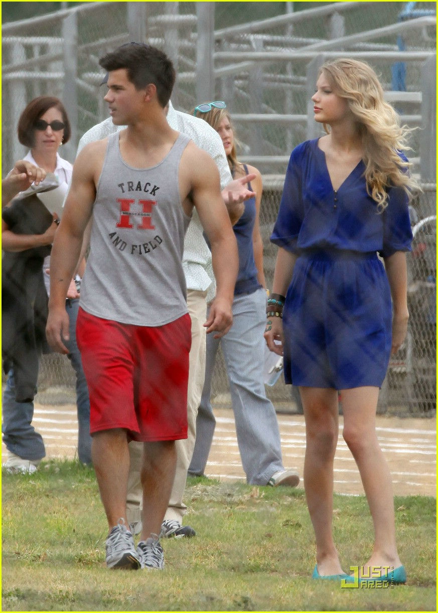 taylor lautner taylor swift valentines day 24