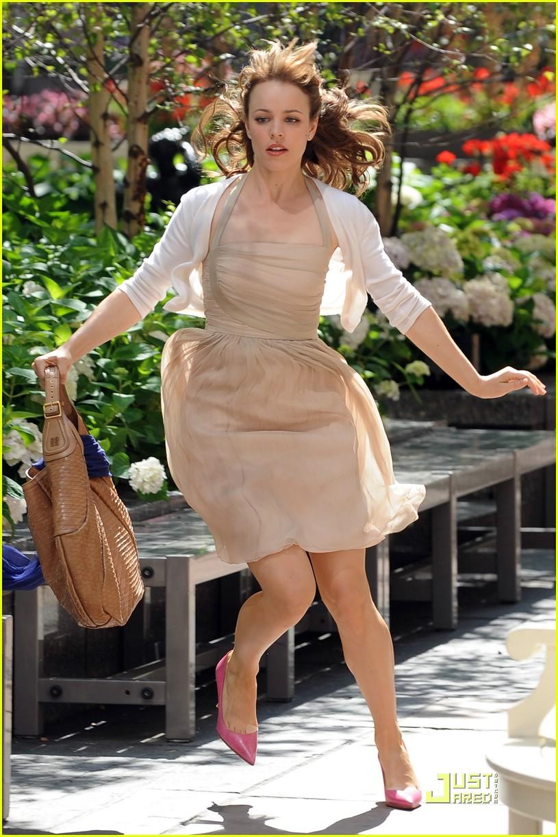Full Sized Photo of rachel mcadams running woman 07 ... Rachel Mcadams