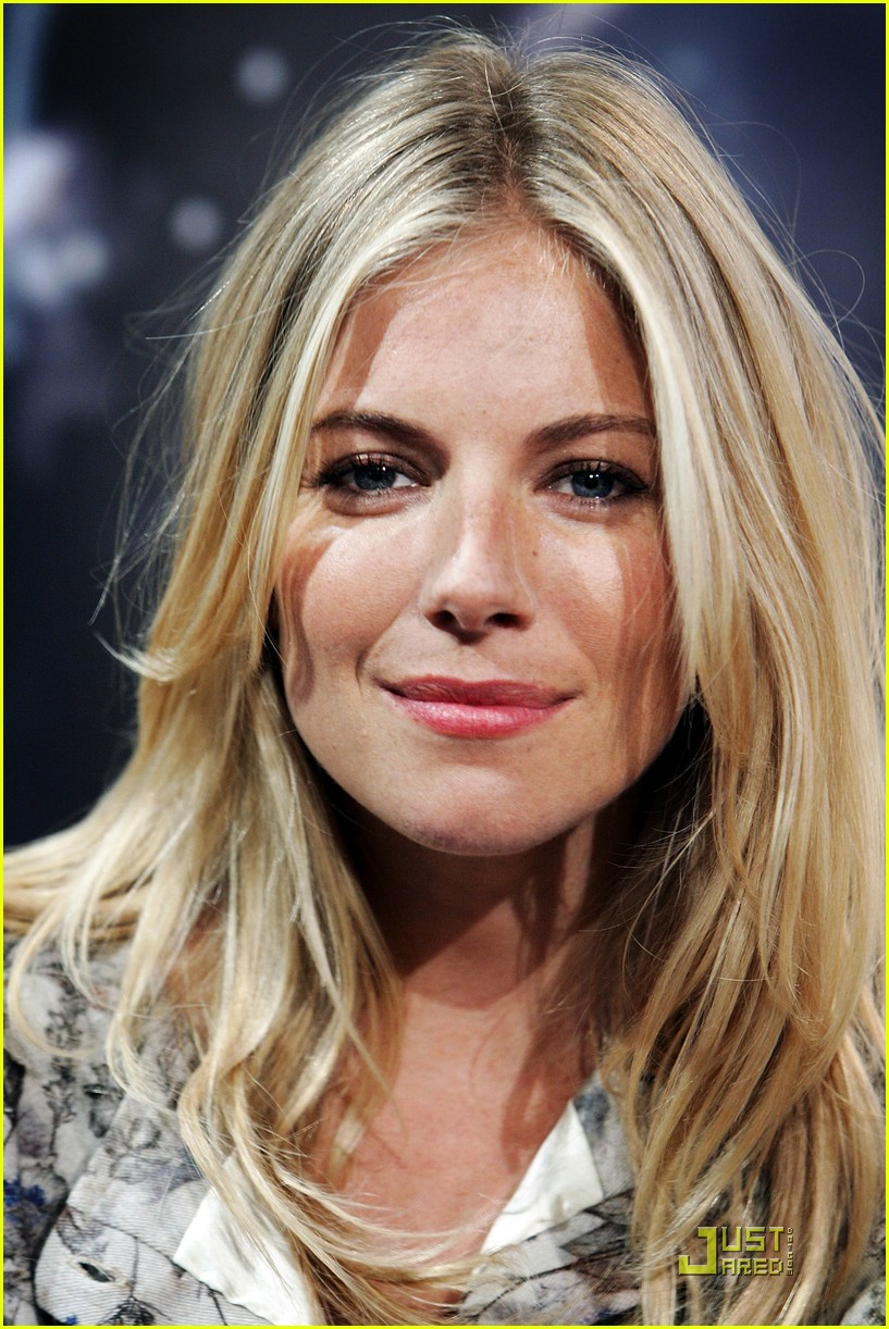 sienna miller rise of the press conference 17