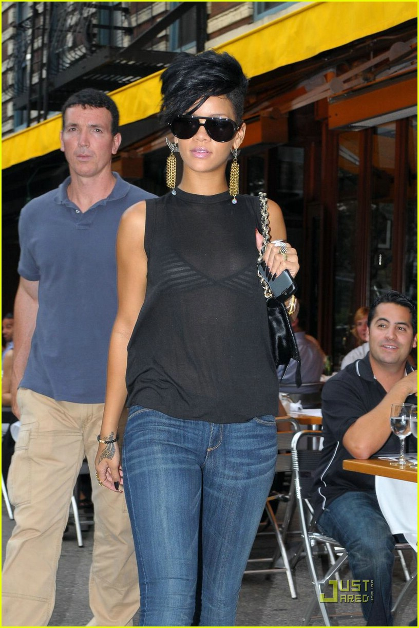 rihanna west village 062055981