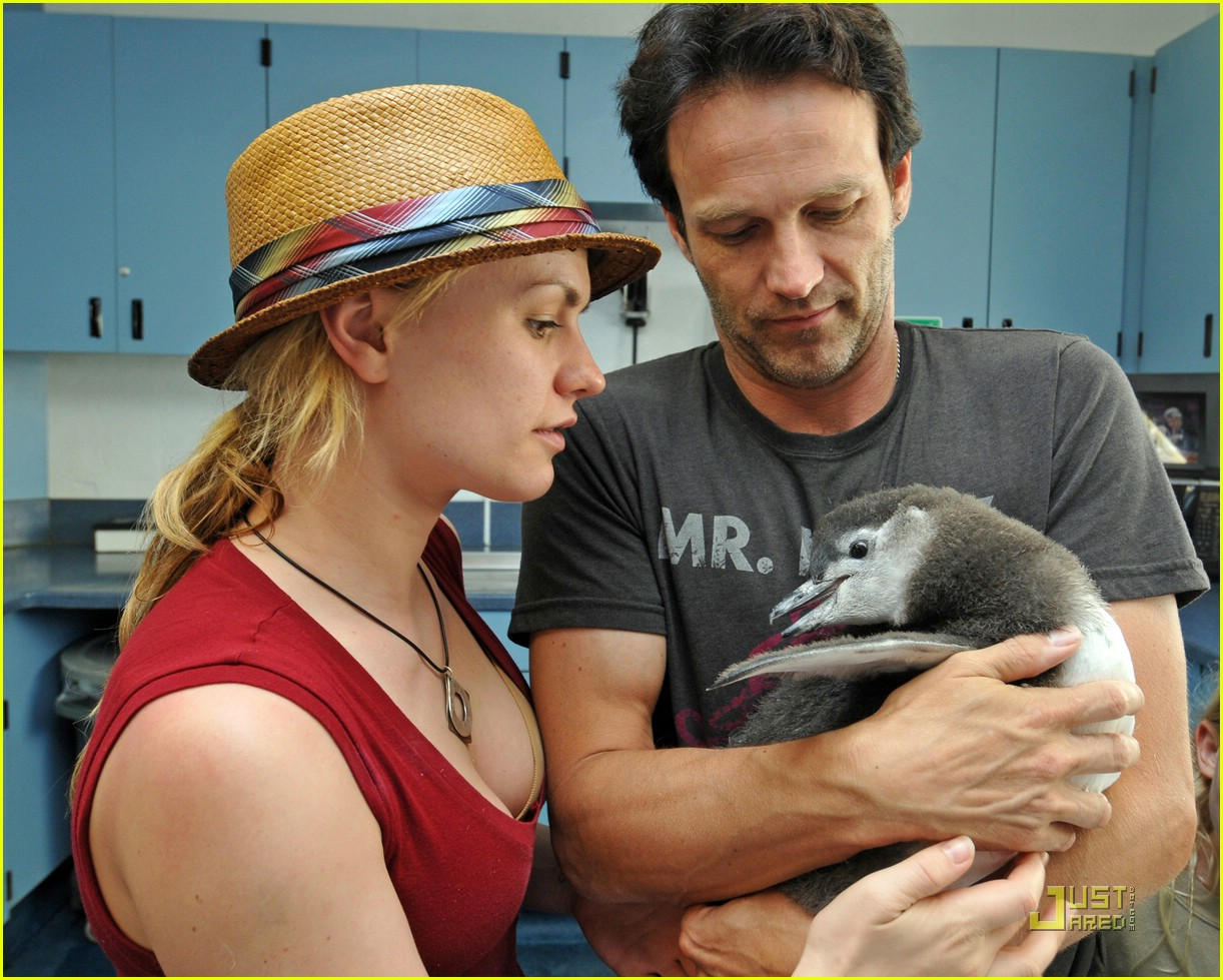 anna paquin stephen moyer seaworld 082081372