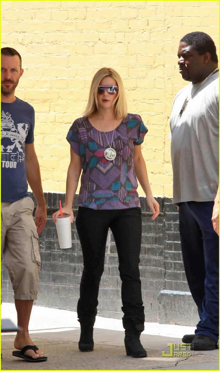 drew barrymore hippie 102121191