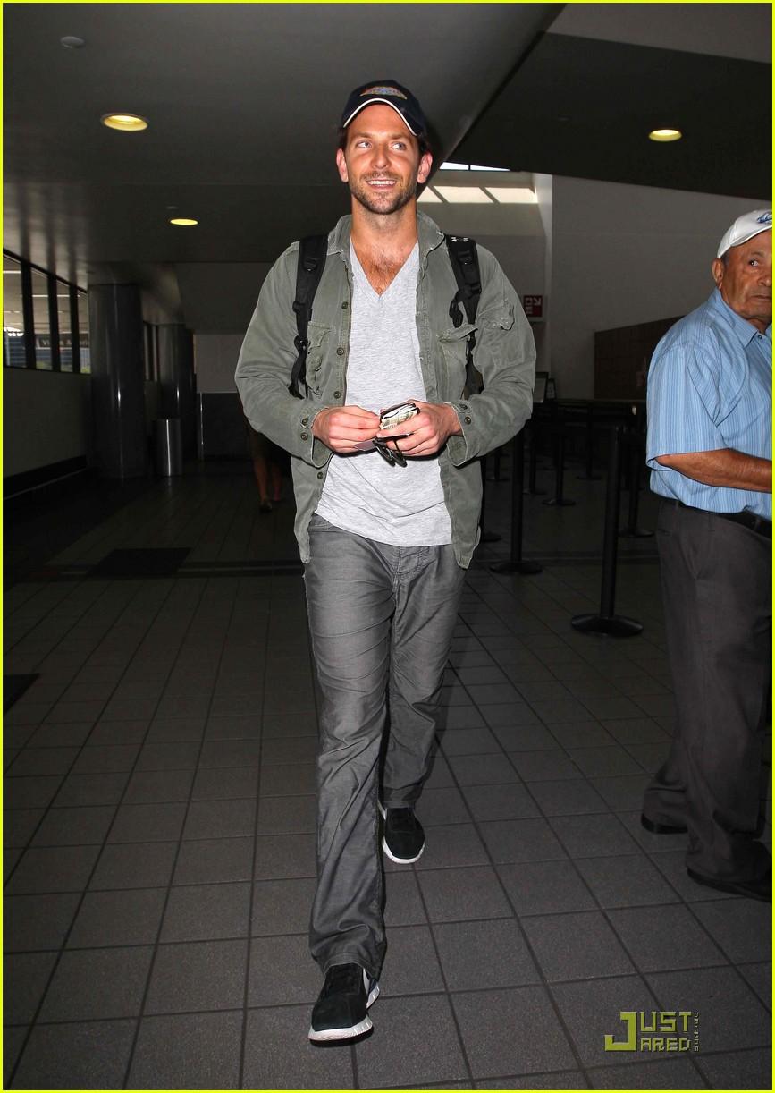 Bradley Cooper Flies Virgin America Bradley Cooper