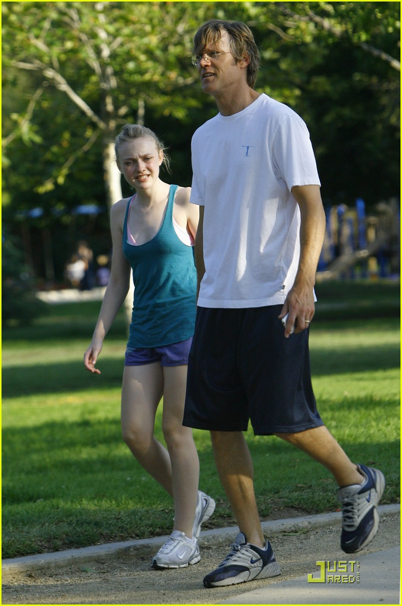 dakota fanning jolly jogger 30