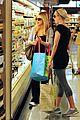 sarah michelle gellar gelsons supermarket 02