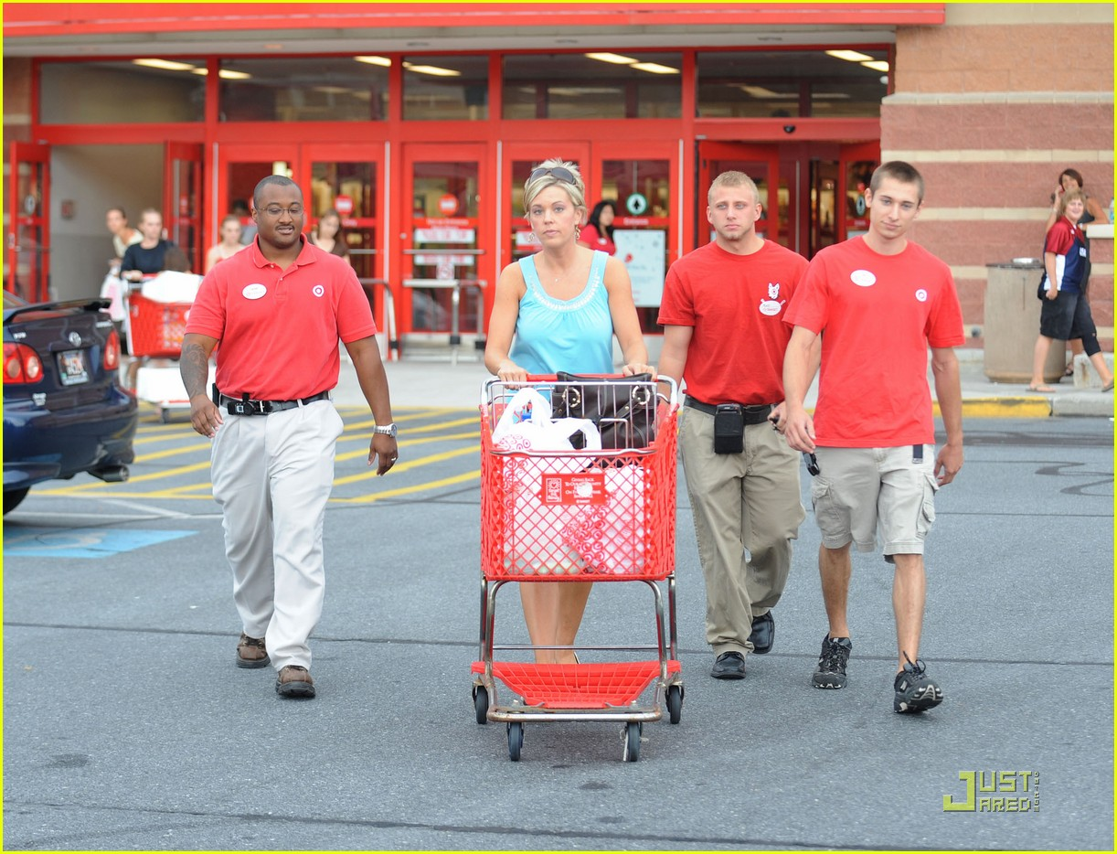 kate gosselin target troops 01