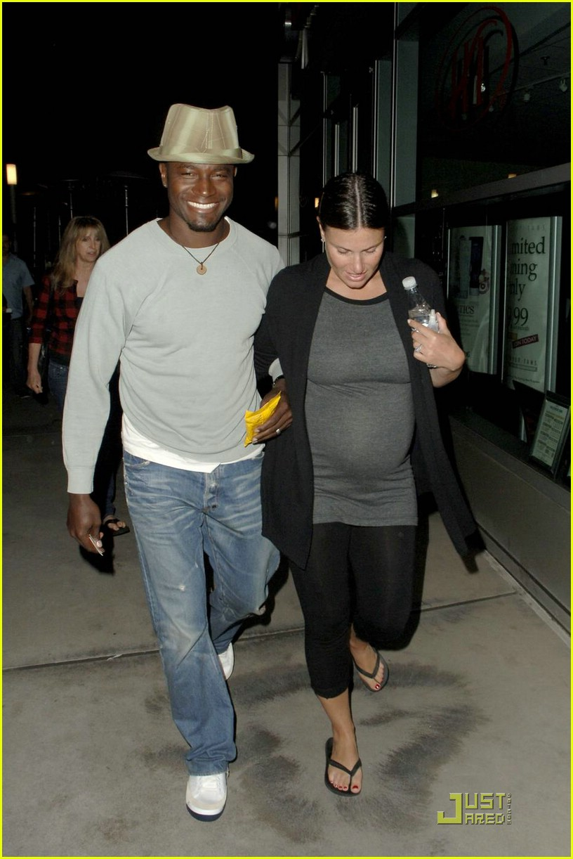 Idina Menzel Is Pregnant 88