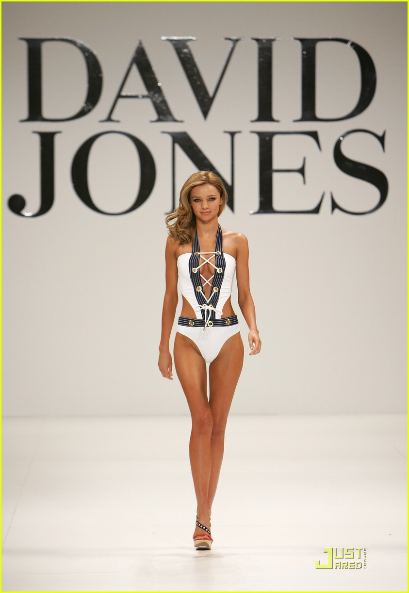 miranda kerr david jones runway 26