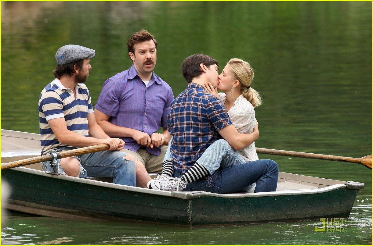 drew barryymore justin long kissing rowboat 03