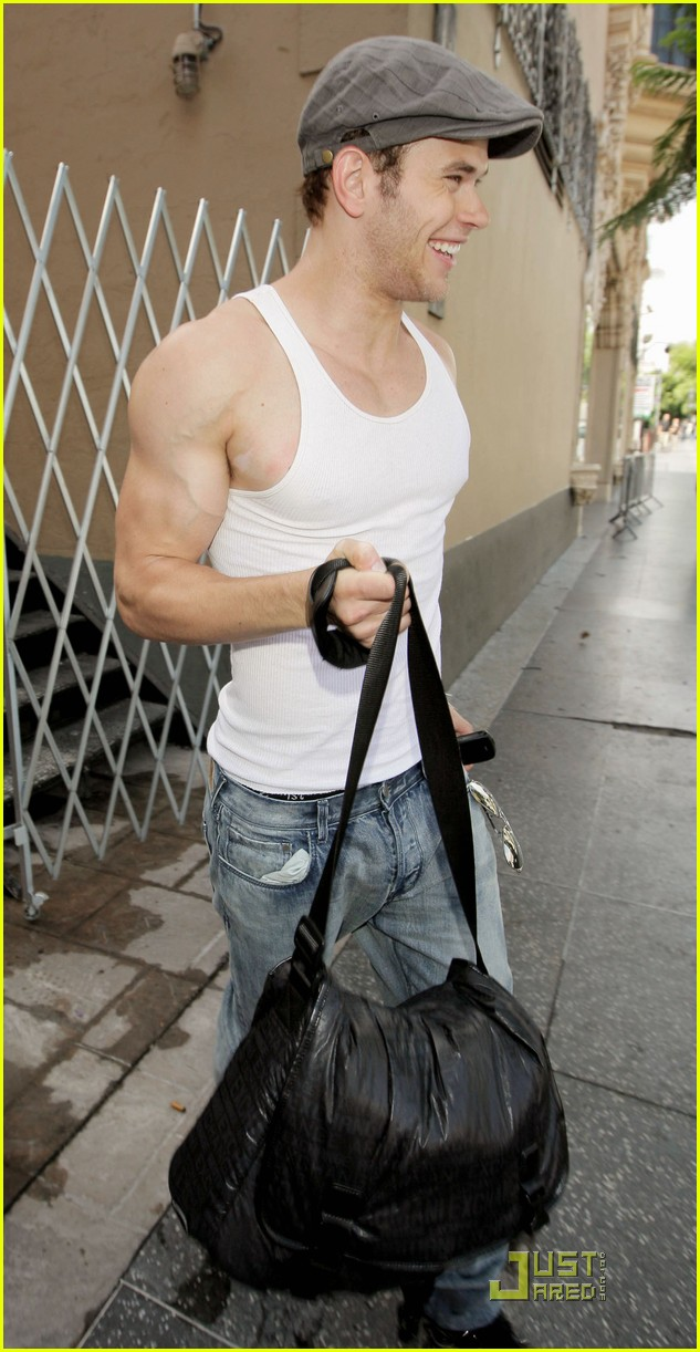 kellan lutz hm model 09