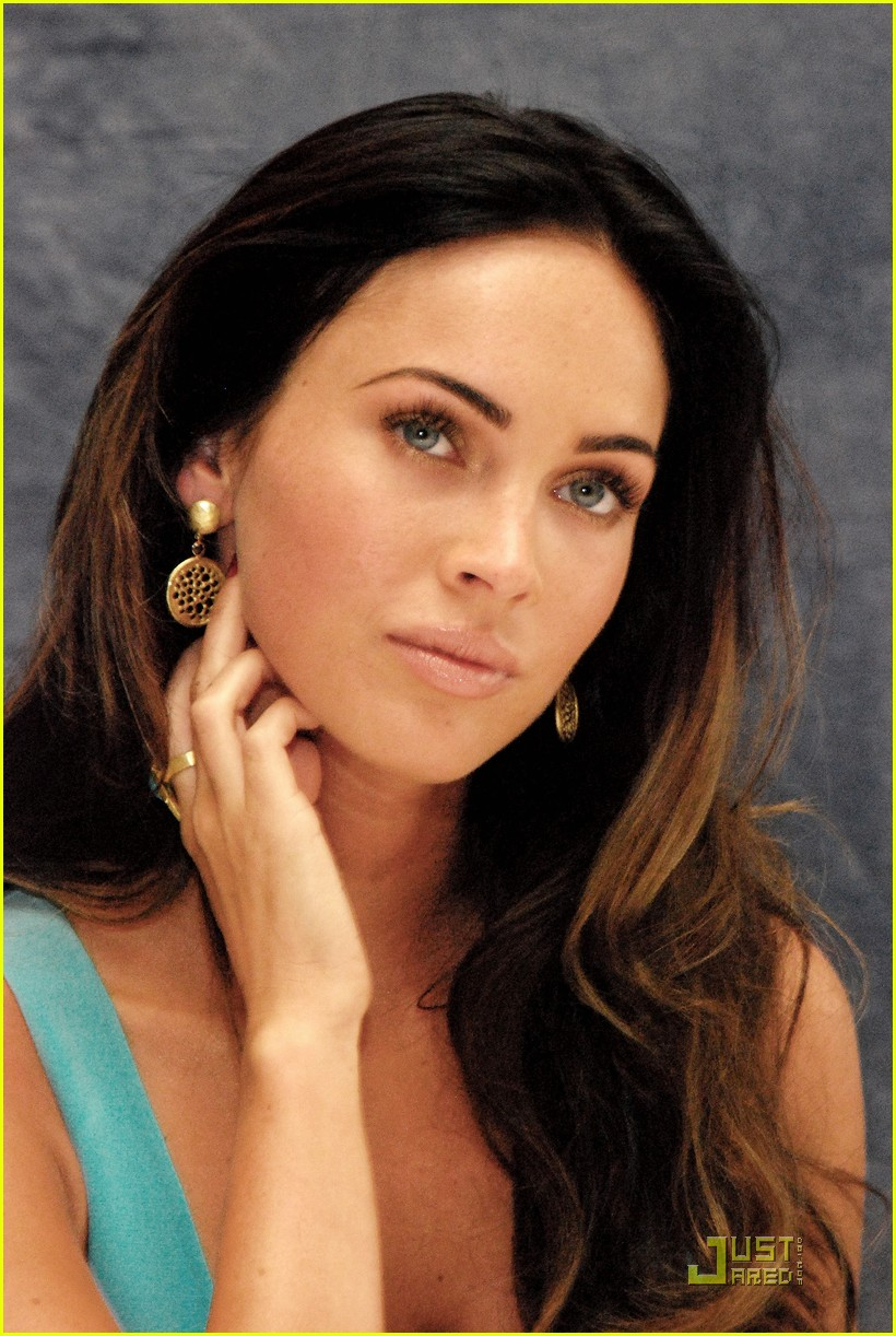 megan fox saturday night live host 01