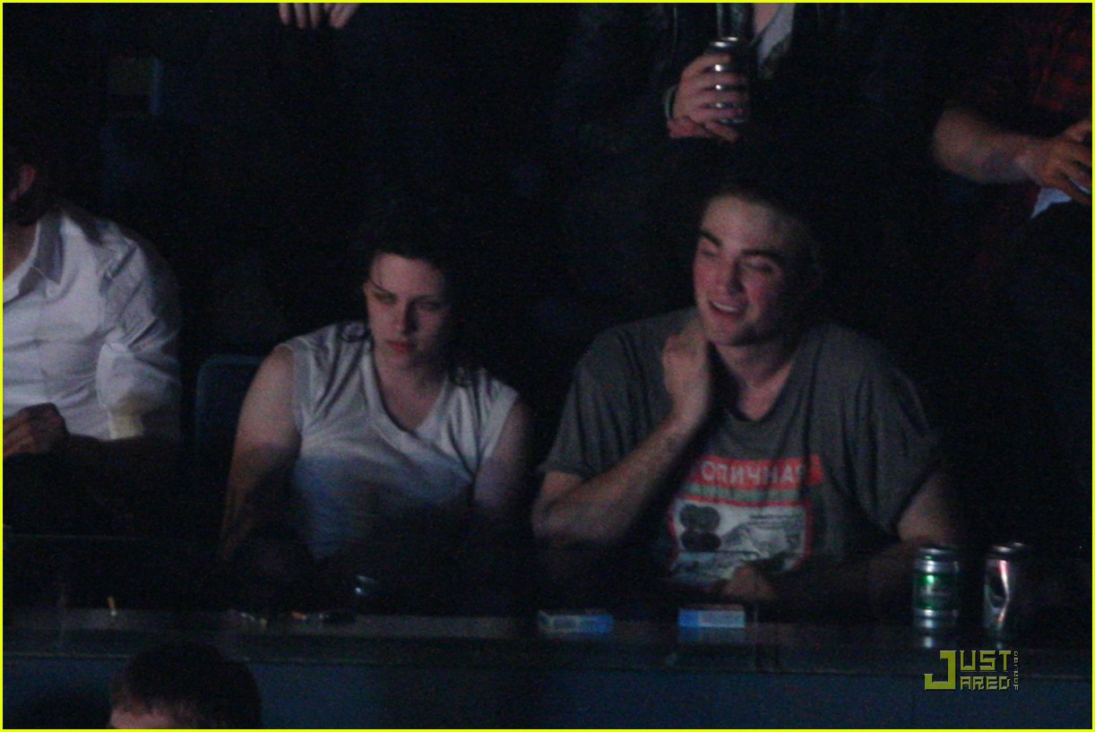 robert pattinson kristen stewart concert couple 13