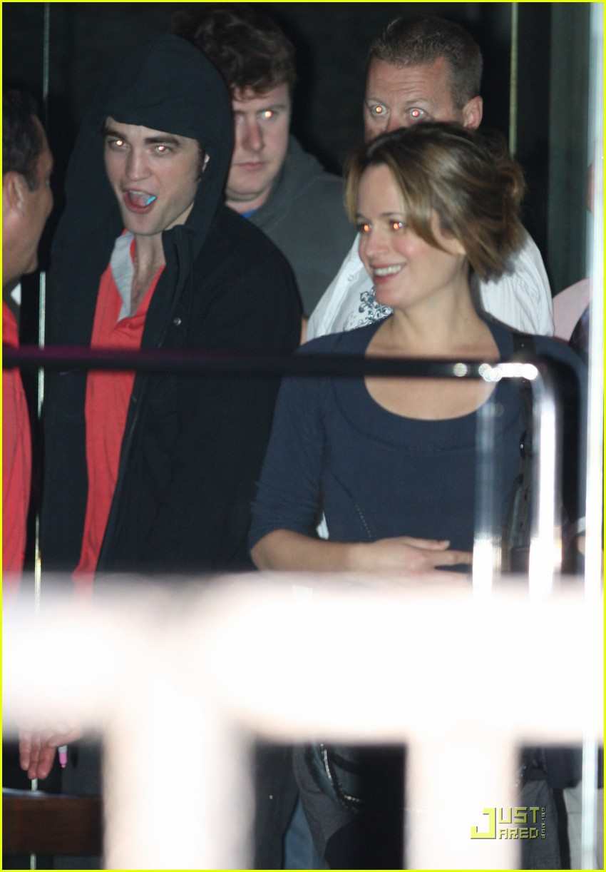 robert pattinson kristen stewart miko sushi 01