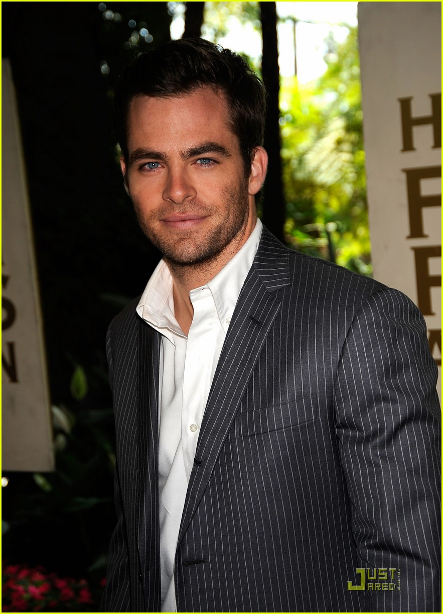 chris pine hollywood foreign press luncheon 17
