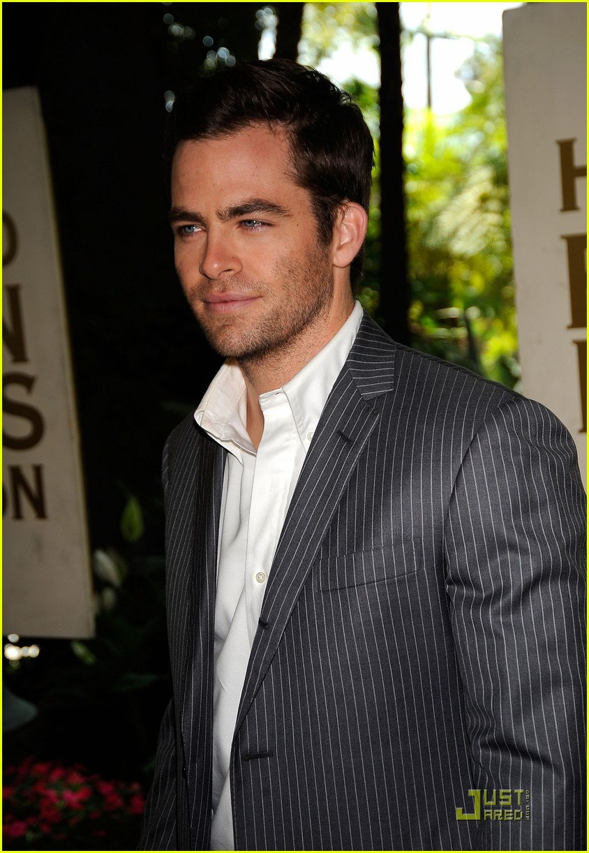 chris pine hollywood foreign press luncheon 20