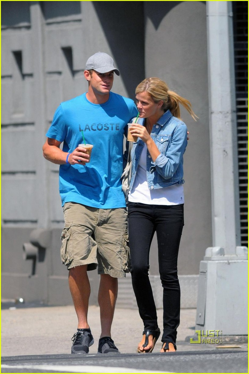 andy roddick brooklyn decker coffee 082175651