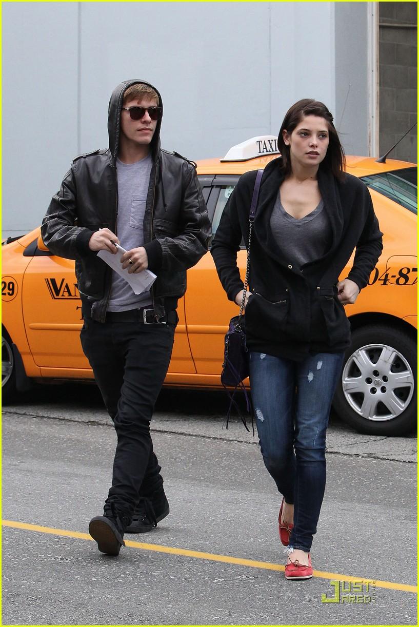 Ashley Greene & Xa...