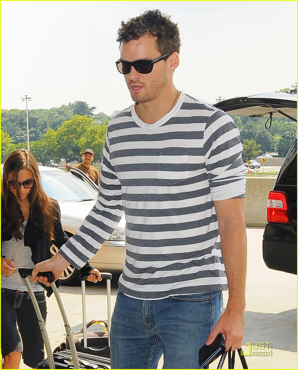 sophia bush austin nichols on again couple 072137681