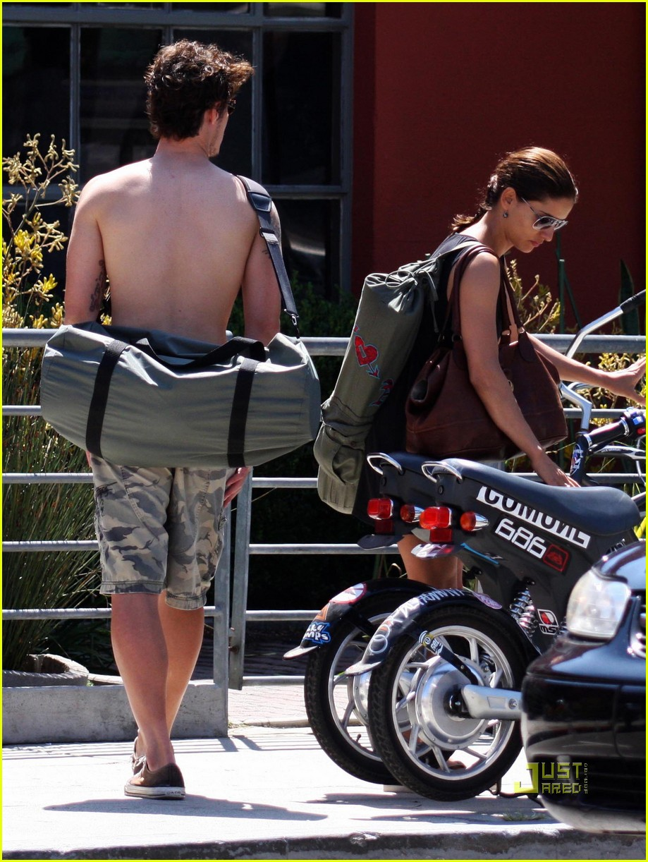 Leonor Varela And Eric Balfour Eric Balfour Yoga Leonor