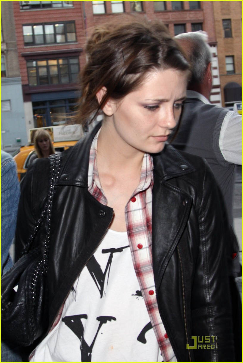 mischa barton not breakdown 01
