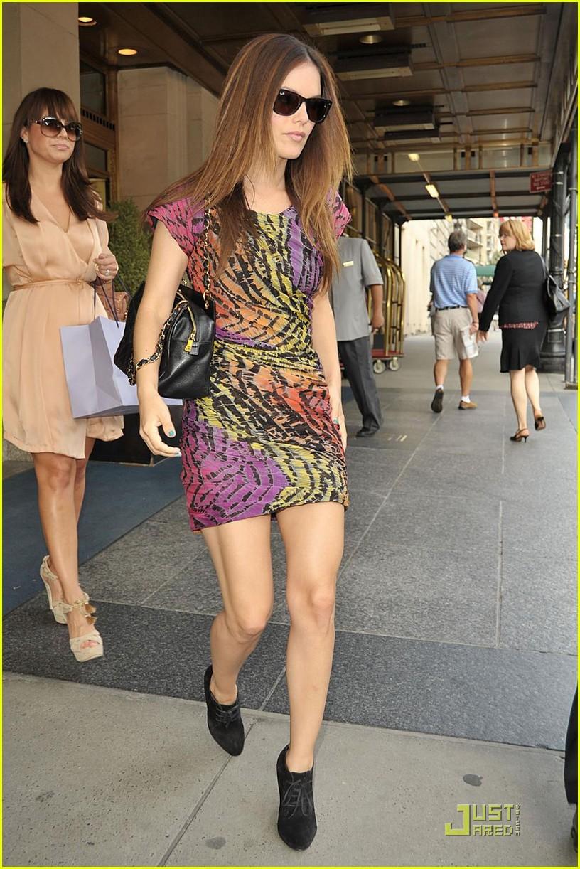 Pin Rachel-bilson-i-love-you-new-york-flip-flop-candids ...
