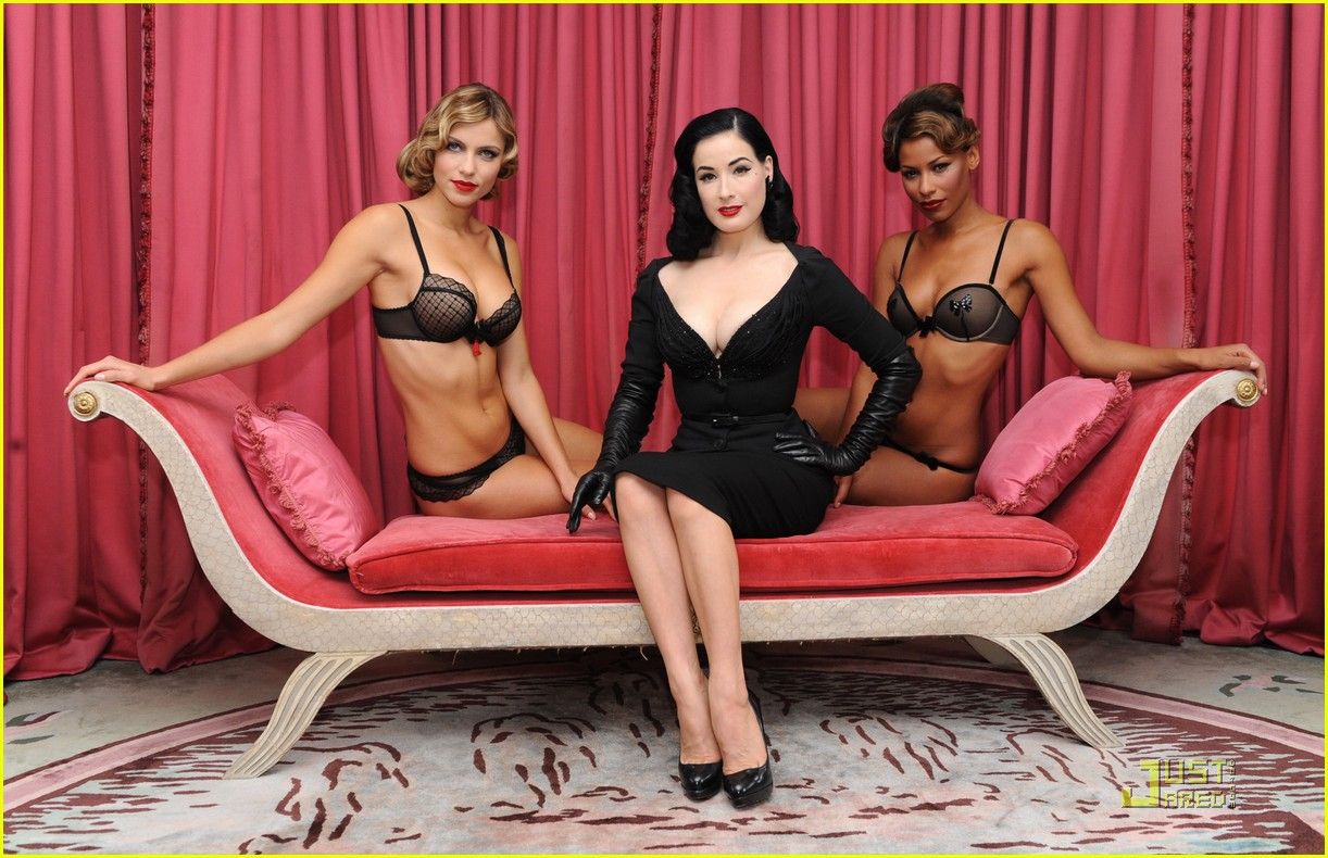 dita wonderbra party edition 21