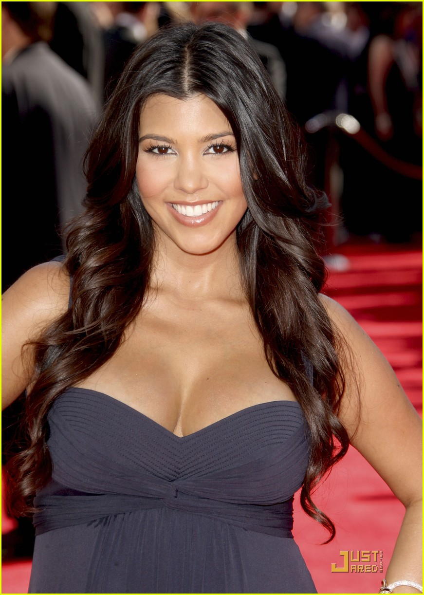 kim kardashian emmy awards 2009 13