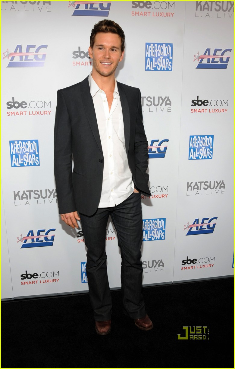 ryan kwanten harrahs resort 04