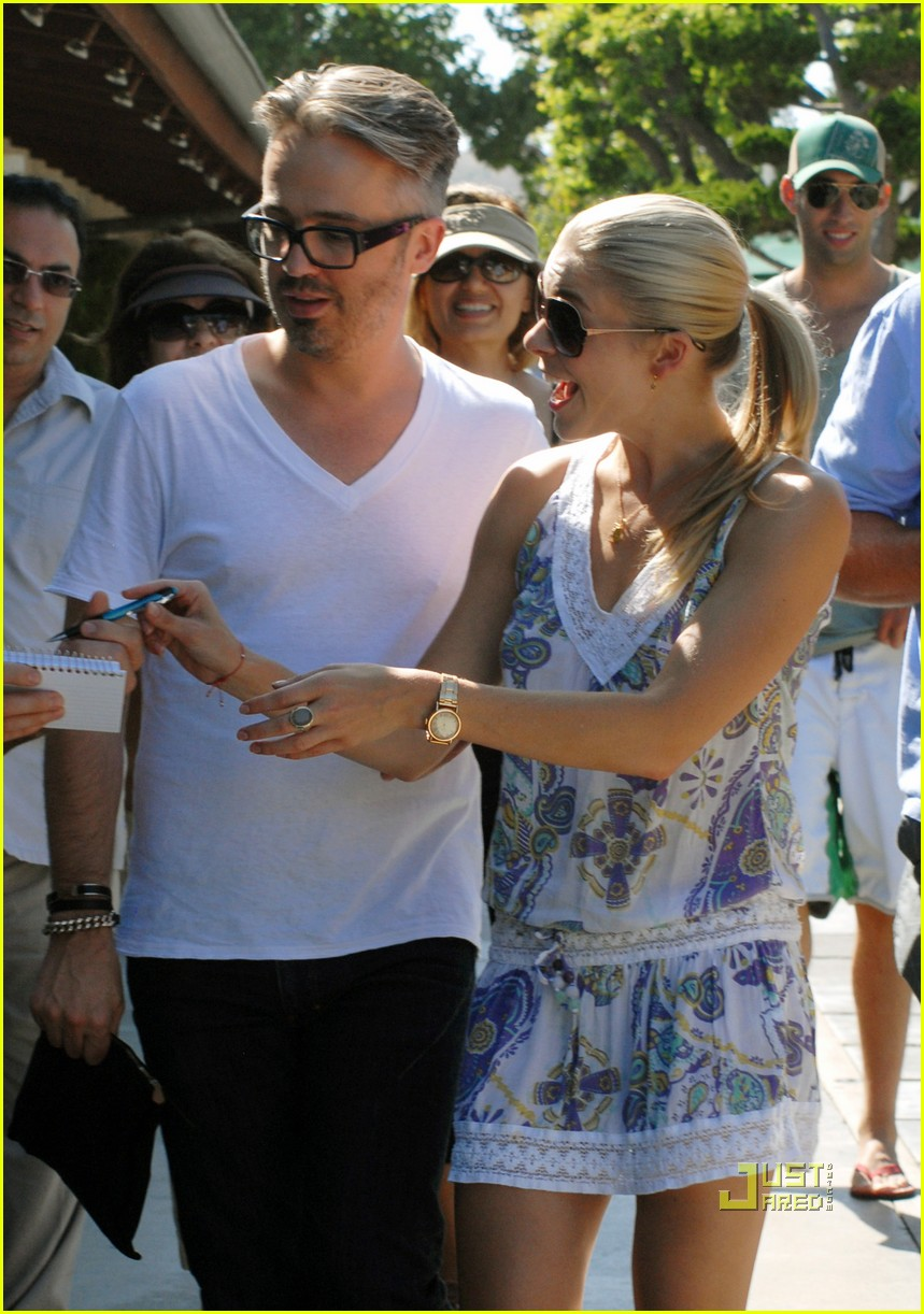 leann rimes thai beach restaurant 01
