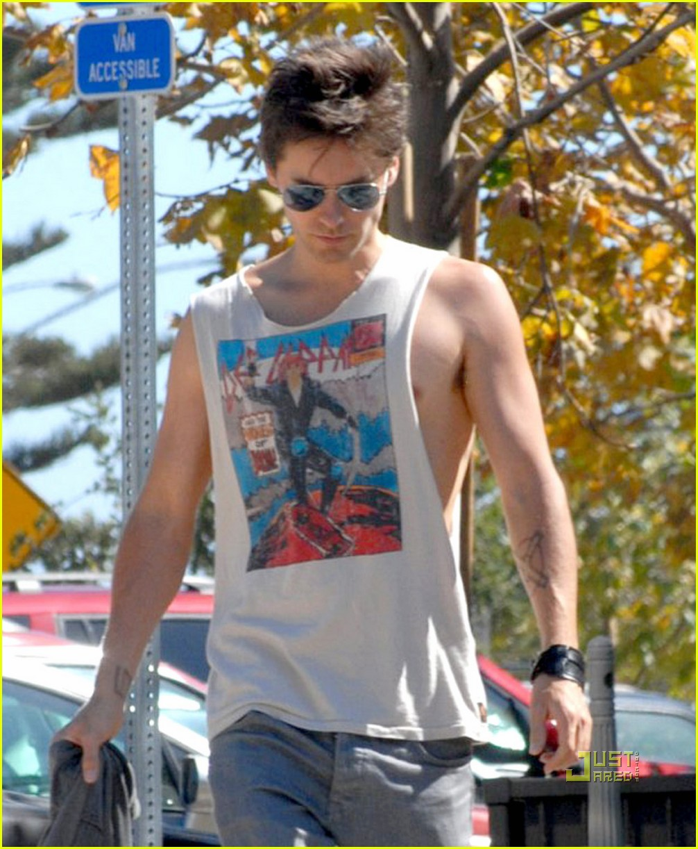 jared leto sleeveless sexy 062192632
