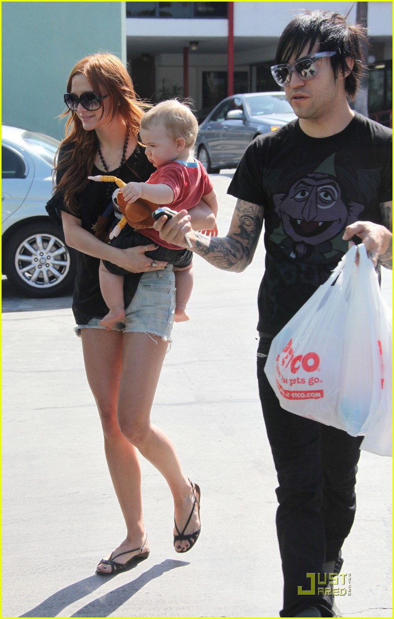ashlee simpson pete wentz petco parents 13