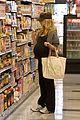 sarah michelle gellar market maternal 07