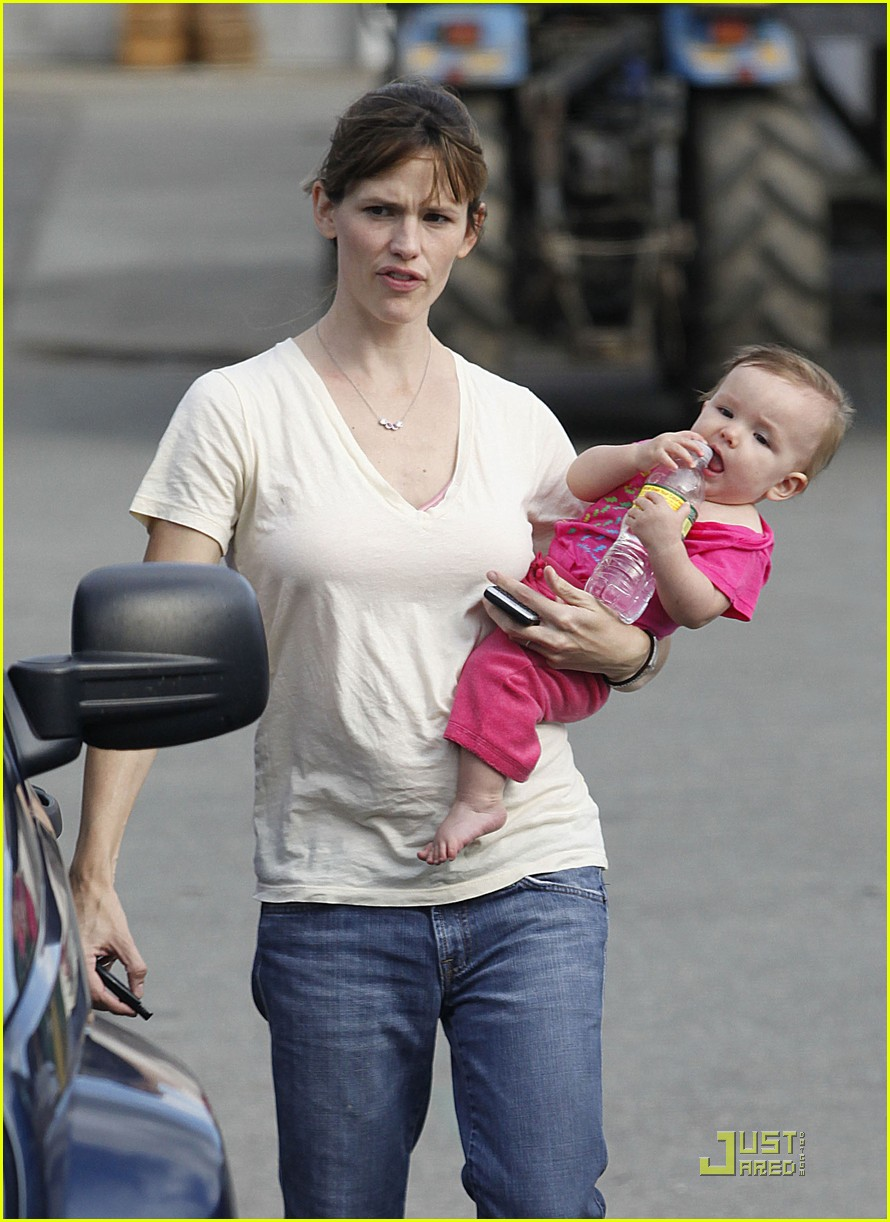 violet seraphina affleck apples 102253071