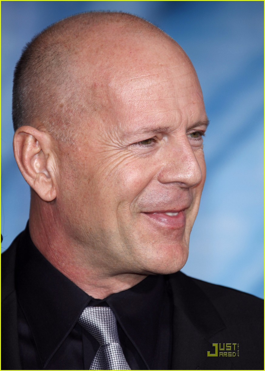 bruce willis surrogates 11